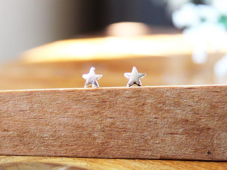 Pendiente mini estrella