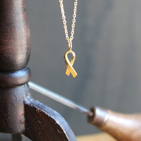 Joia Solidària colgante cadena Oro Vermeil