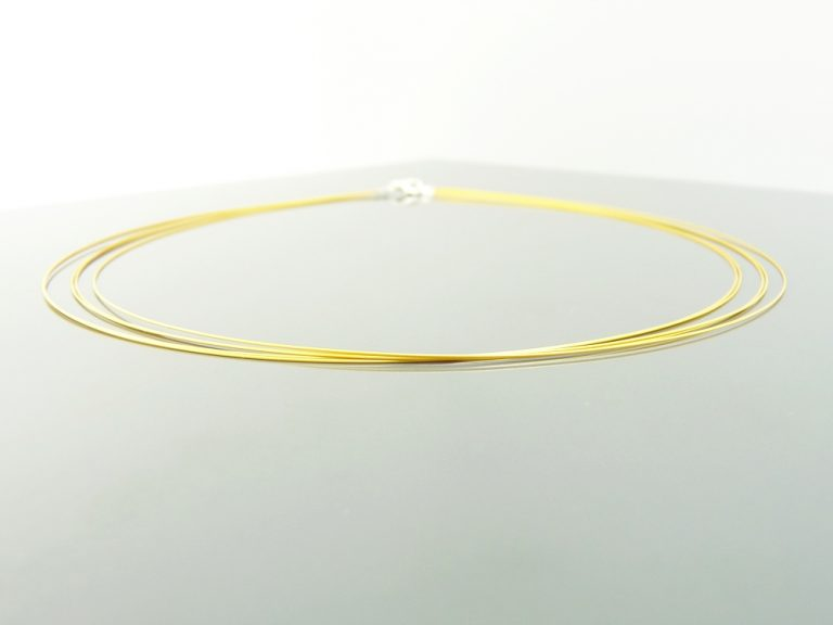 Gargantilla acero 5 hilos color oro