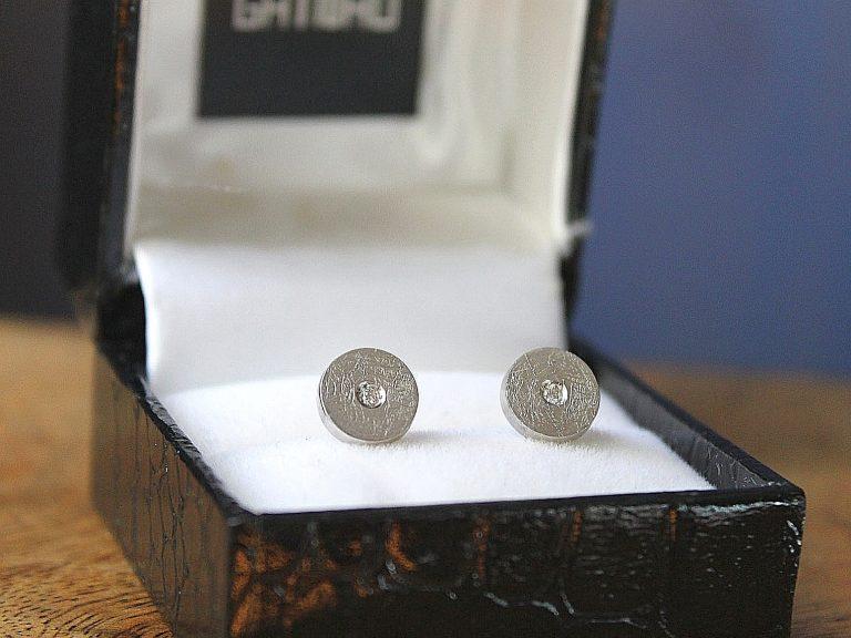 Pendientes Button diamante texturado pequeño
