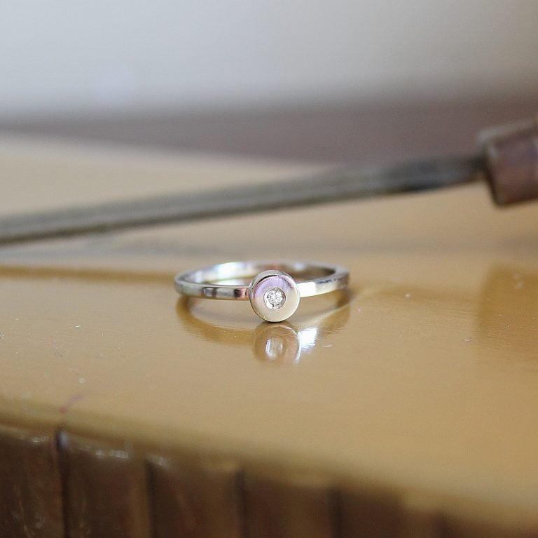 Anillo Nina Oro Diamante