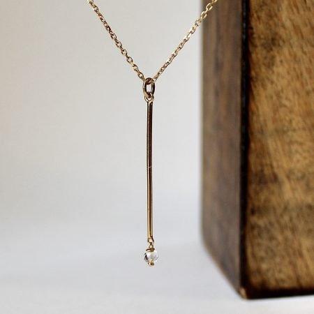 Colgante AIDA en plata con baño de oro y cadena