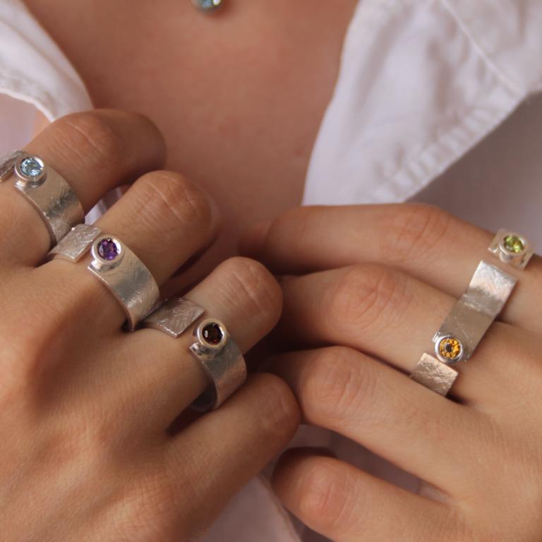 5 anillos Fiona primer planoQ2
